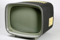 Fernsehgert Alex; Hersteller: VEB Stern-Radio Berlin, 1958; Design: Horst Giese, Jrgen Peters (Studienarbeit an der Hochschule fr bildende und angewandte Kunst Berlin, 1957); Betreuer: Rudi Hgner